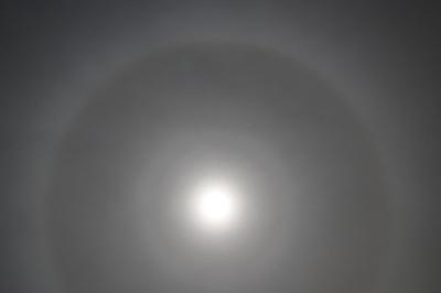 318_9halo_moon