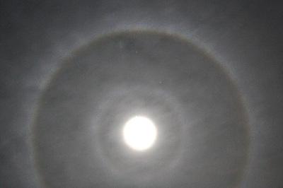 318_9halo_moon_